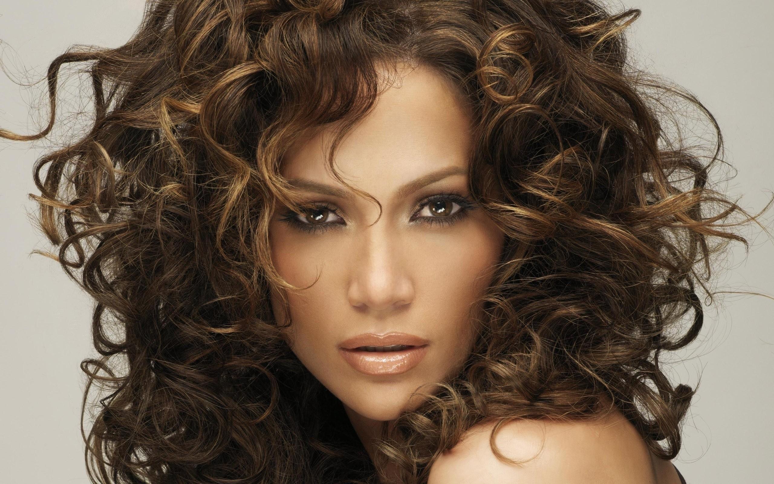 tagli per capelli ricci lunghi