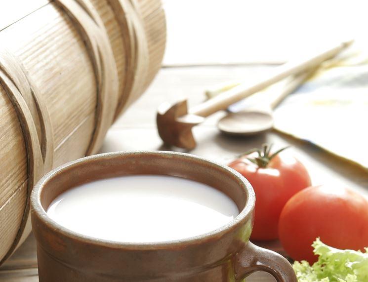 Il glutammato si trova nel latte e nei pomodori