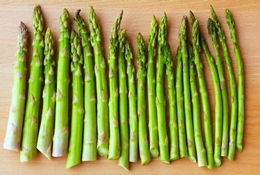 Gli asparagi contengono discrete quantità di hmb  fonte: http://standstronghealth.com