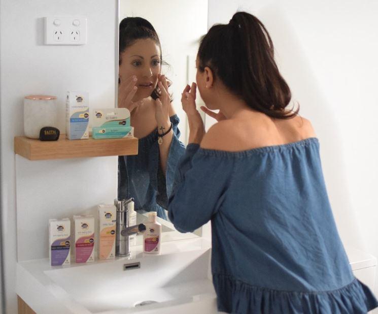 Applicazioni di niacina sulla pelle