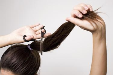 Taglio drastico di capelli