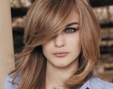 capelli medio lunghi