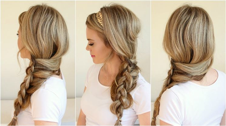 Esempio di classica treccia laterale per capelli lunghi