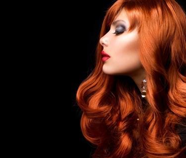 cura dei capelli con prodotti