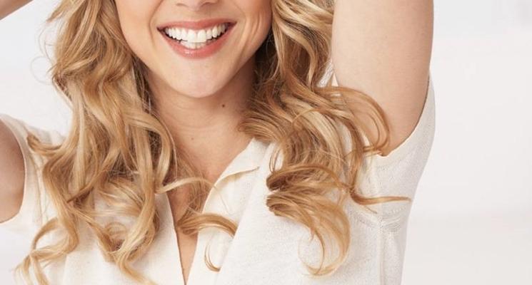 capelli lunghi mossi  curati