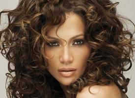 Taglio capelli lunghi ricci e folti