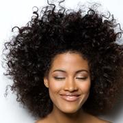 tagliare capelli ricci