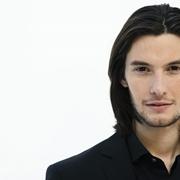 capelli uomo lunghi