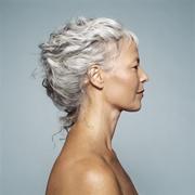 capelli bianchi tinti