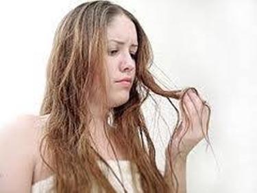 capelli secchi e spenti