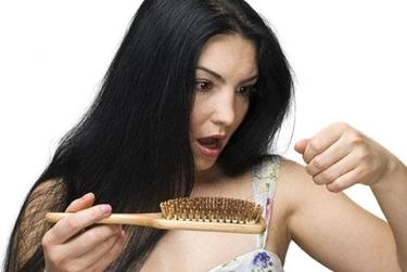 capelli secchi e cadenti