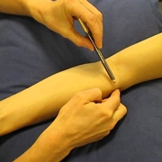 Visita all'articolazione del gomito
