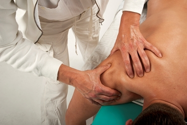 massaggi per mal di spalla