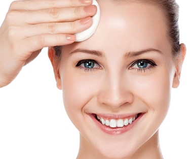 pulire il viso