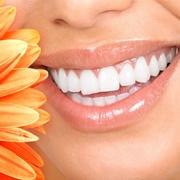 Sorriso dai denti bianchi