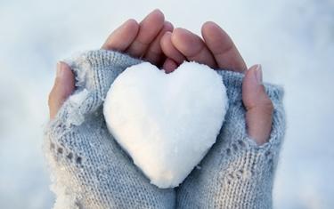 mani in inverno