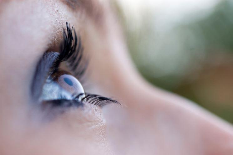 Persona affetta da astigmatismo