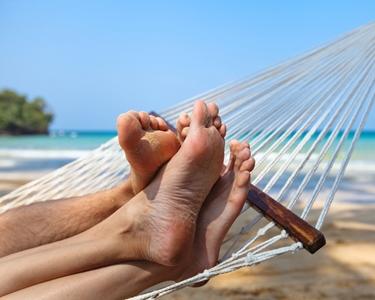 piedi maschili e femminili