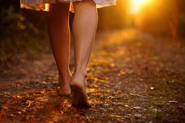 camminare scalzi
