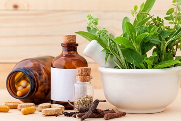 La medicina naturale per le contratture della schiena.