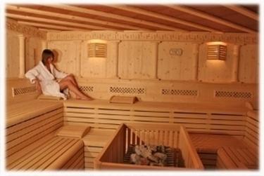 relax in sauna