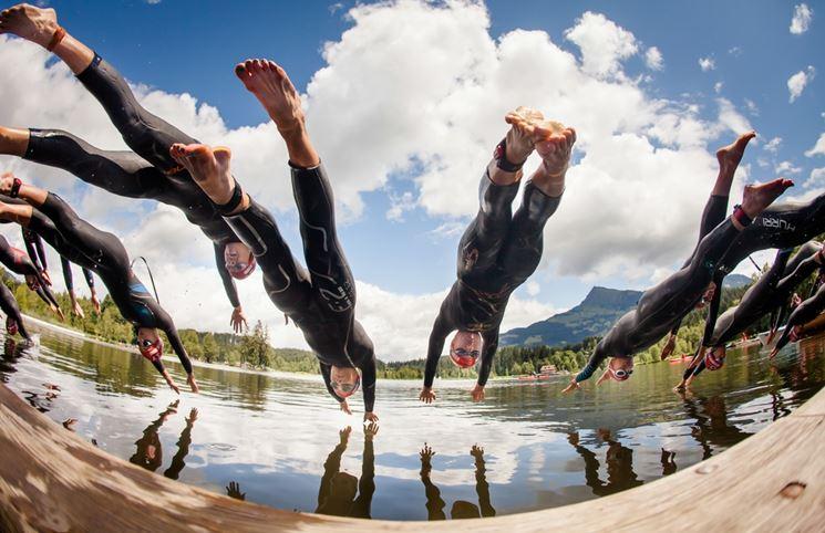 sportive triathlon si tuffano