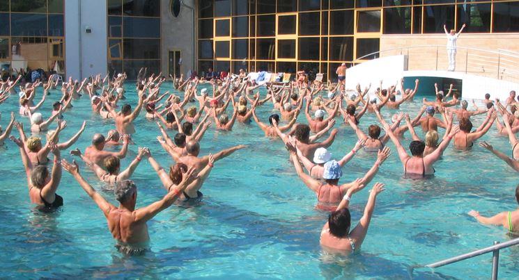 esercizi in acqua