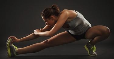 Un esercizio di stretching per le gambe