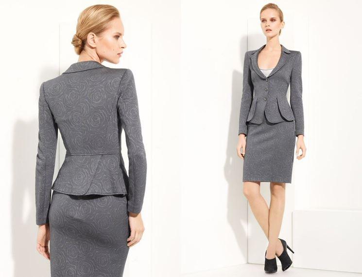 Abbigliamento elegante donna ufficio