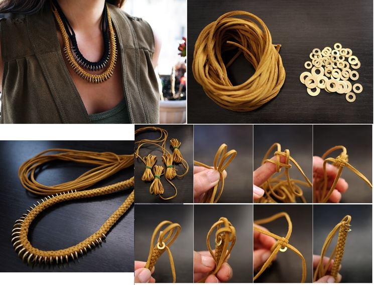 Girocollo con filo di cuoio e anelli di metallo