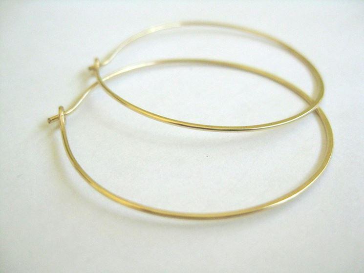 Orecchini a cerchio in oro molto sottili
