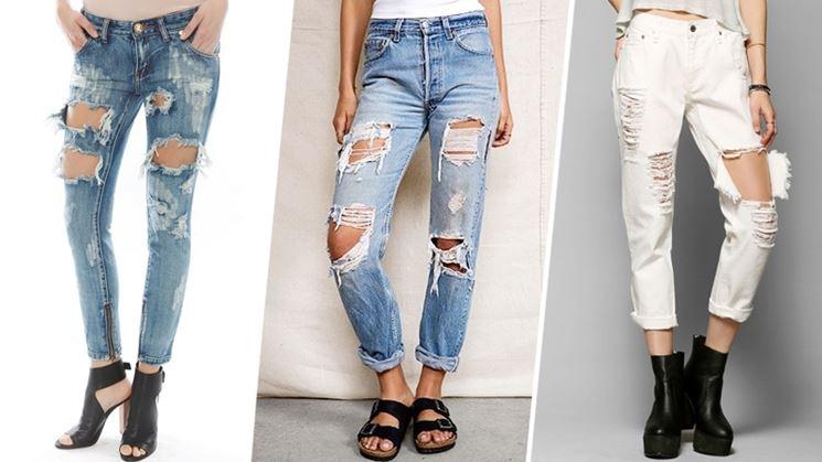 Strappi ai jeans sfilati