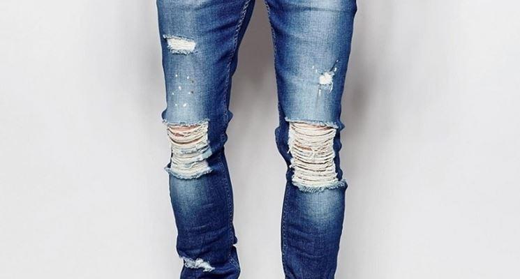 Jeans strappati da uomo