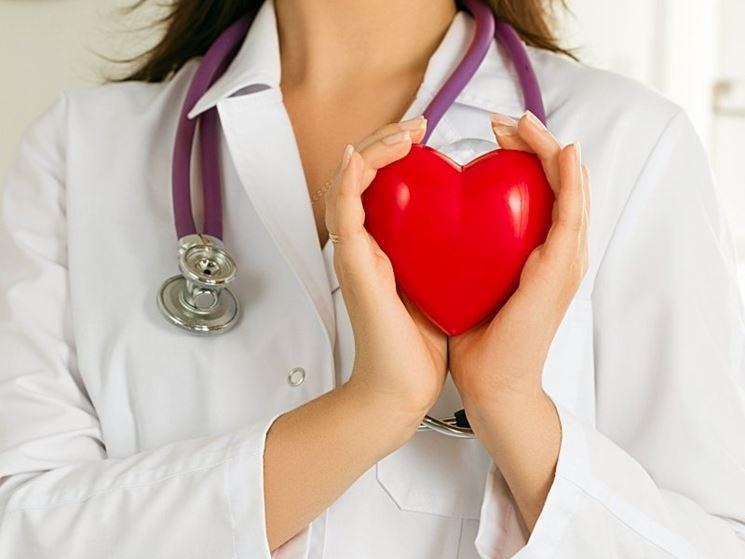Cardiologa cura cuore