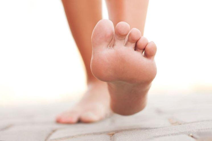 Camminare piedi scalzi