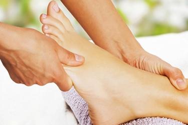 Massaggio dei piedi.