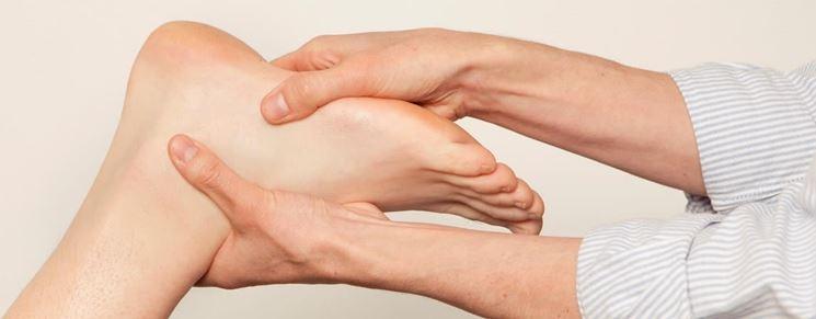 Trattamento fisioterapico con massaggi