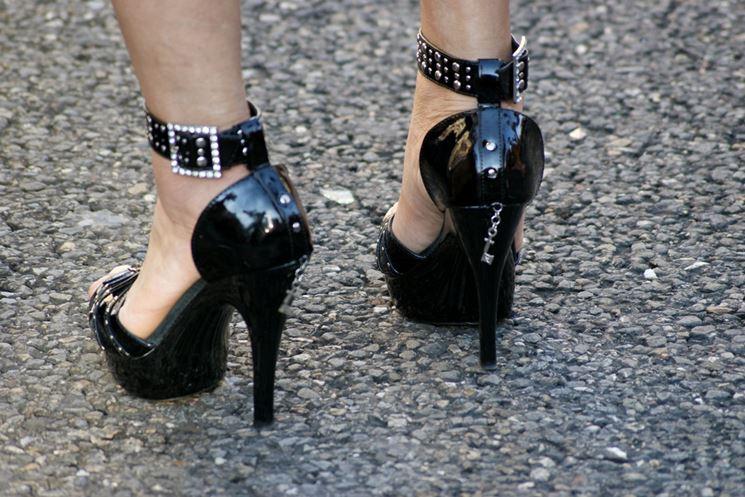 Scarpe con tacchi