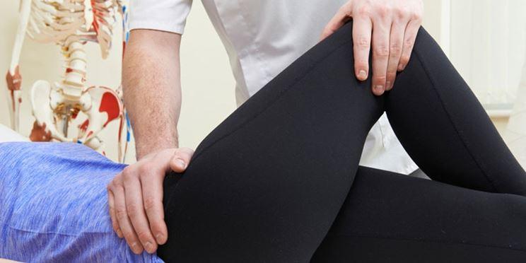 Esercizi riabilitativi fisioterapici