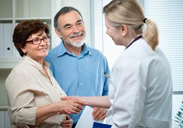 Il medico controlla regolarmente la PCR dei pazienti<p />