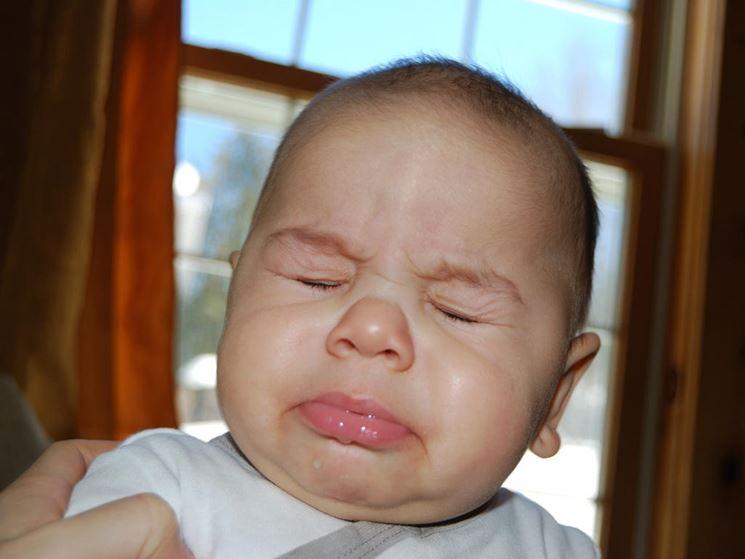 Un bimbo con la laringite catarrale