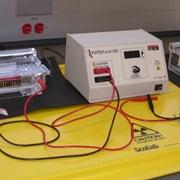 Attrezzatura da laboratorio per elettroforesi